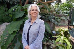 Violène Simard, coordonnatrice en loisirs scientifiques et responsable des programmes Jardins-jeunes et du Camp de jour du Jardin botanique