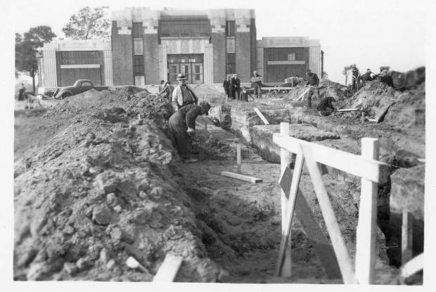 Construction of the fountain's cascade, 1937