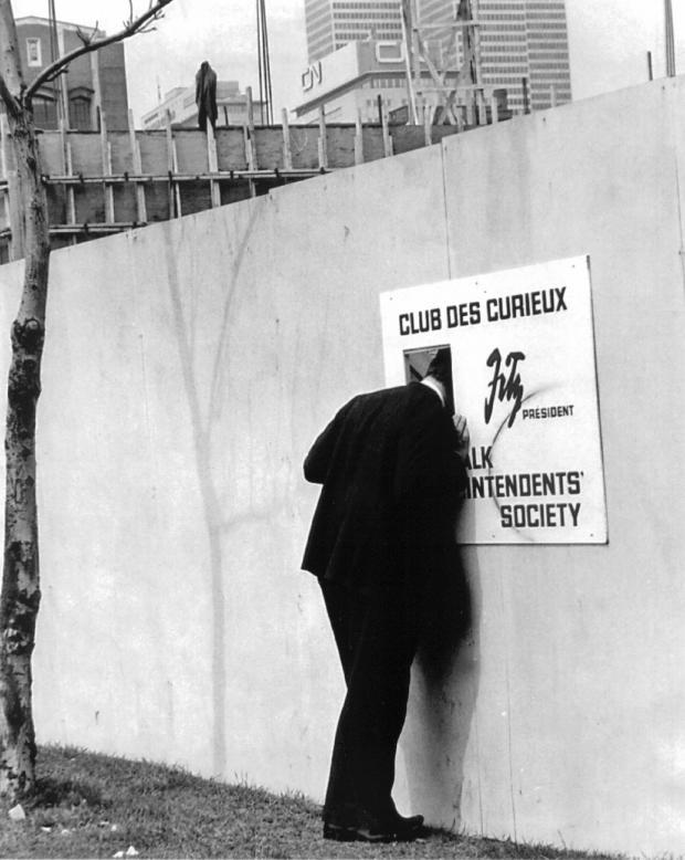 Club des curieux.