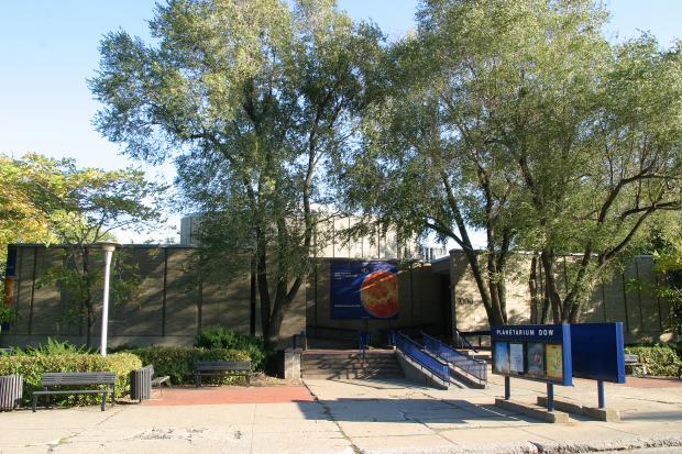 Planétarium de Montréal, autrefois appelé le Planétarium Dow.